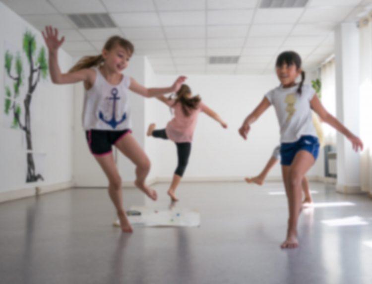 Atelier danse ©Stéphane DE IESO - MJC Jean Macé